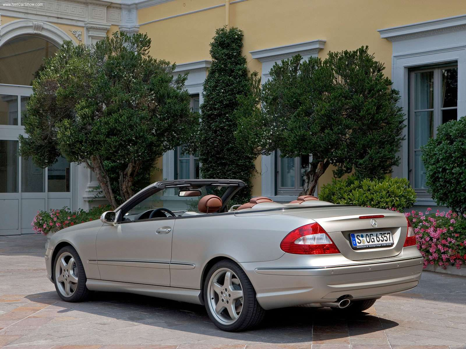 2005 mercedes-benz clk-class - information and photos - zombiedrive