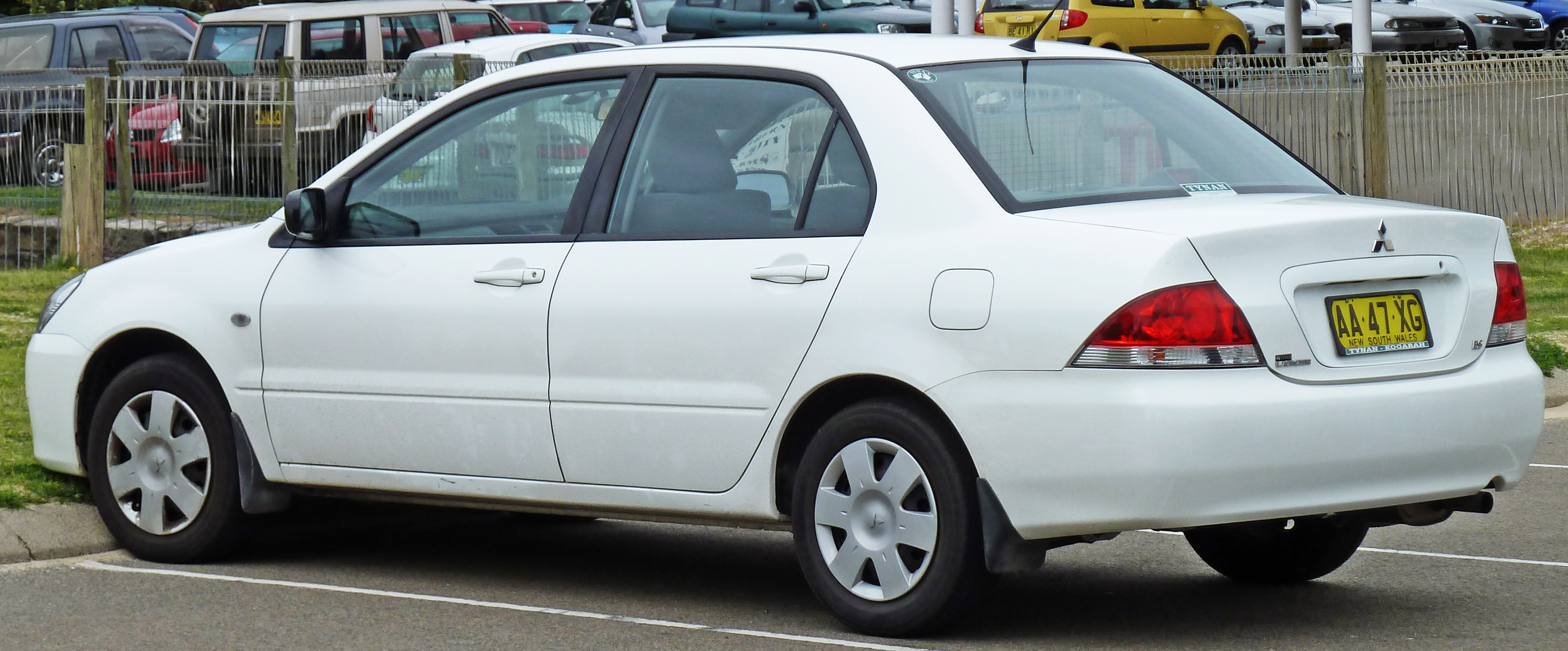 2005 Mitsubishi Lancer - Information and photos - ZombieDrive