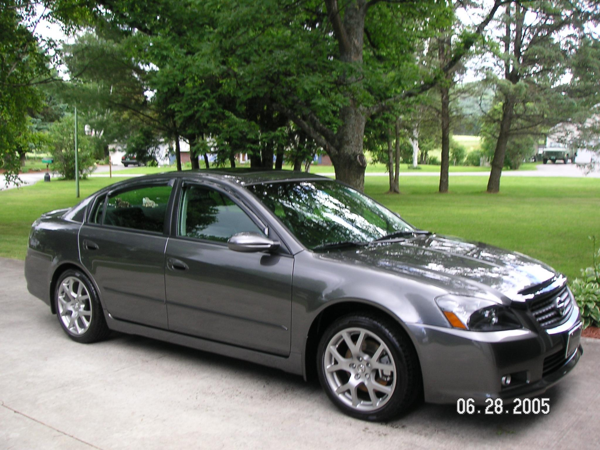 2005 Nissan Altima Information and photos ZombieDrive