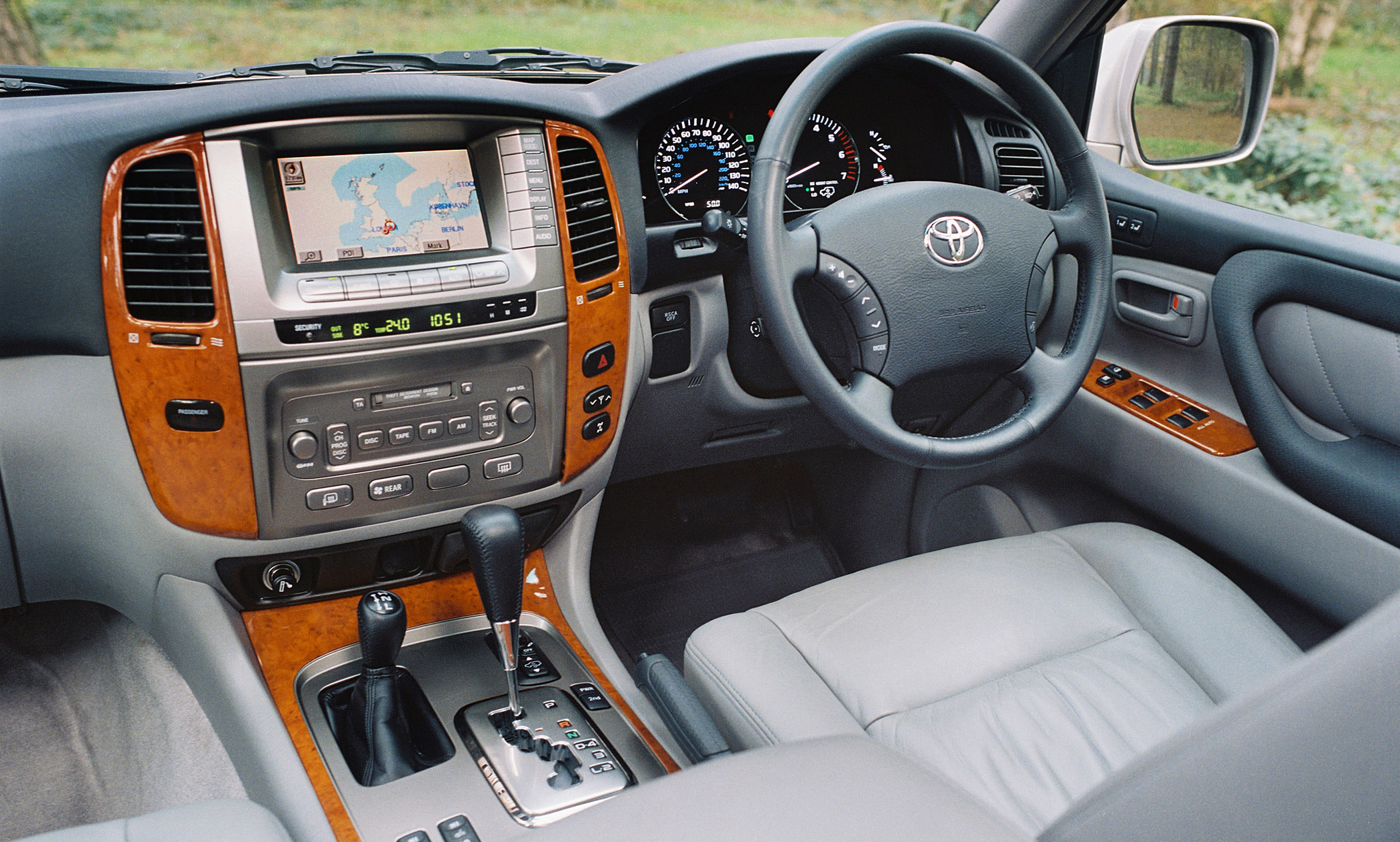 Toyota Land Cruiser 2005 Interior Toyota Land Cruiser 13