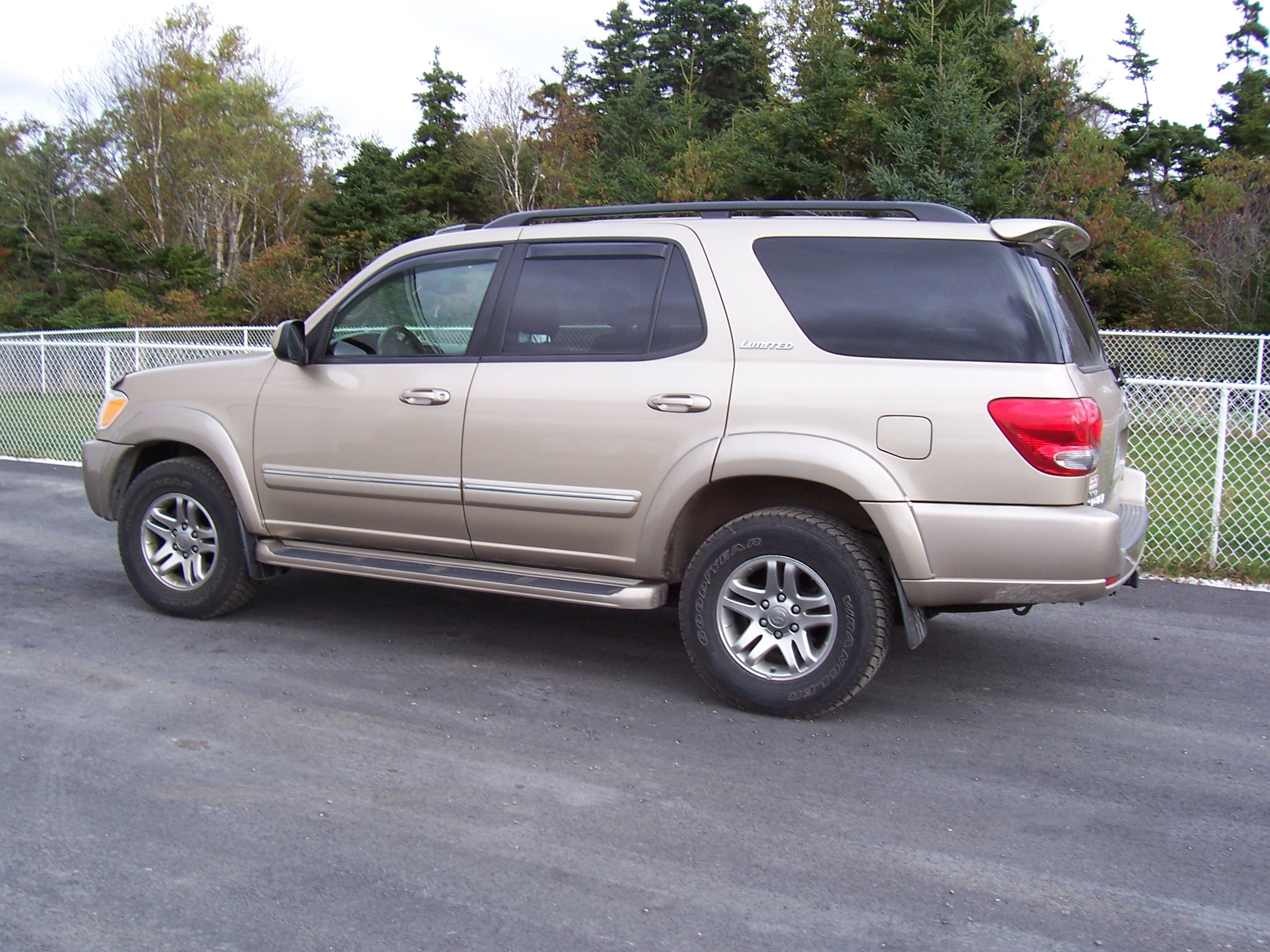 3310 2005 Toyota Sequoia 2 on toyota sequoia