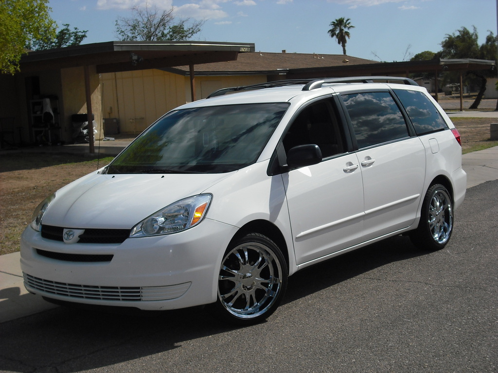 2005 Toyota Sienna 19