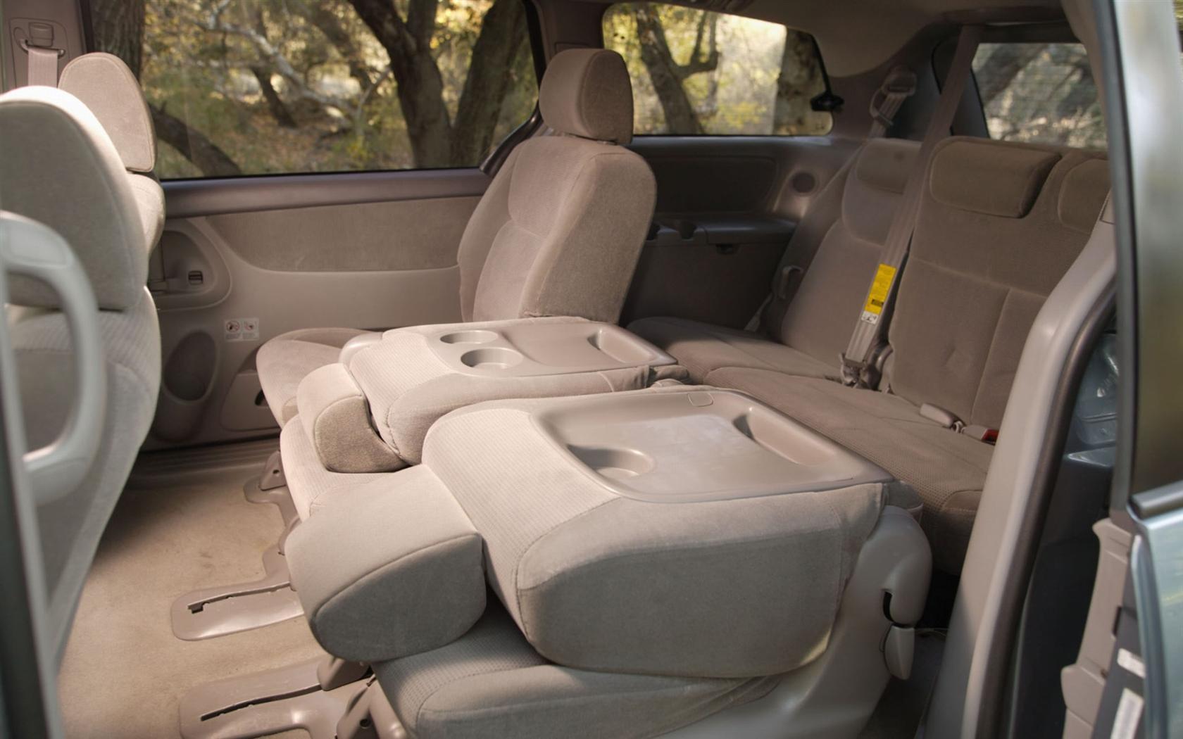 2005 Toyota Sienna 15