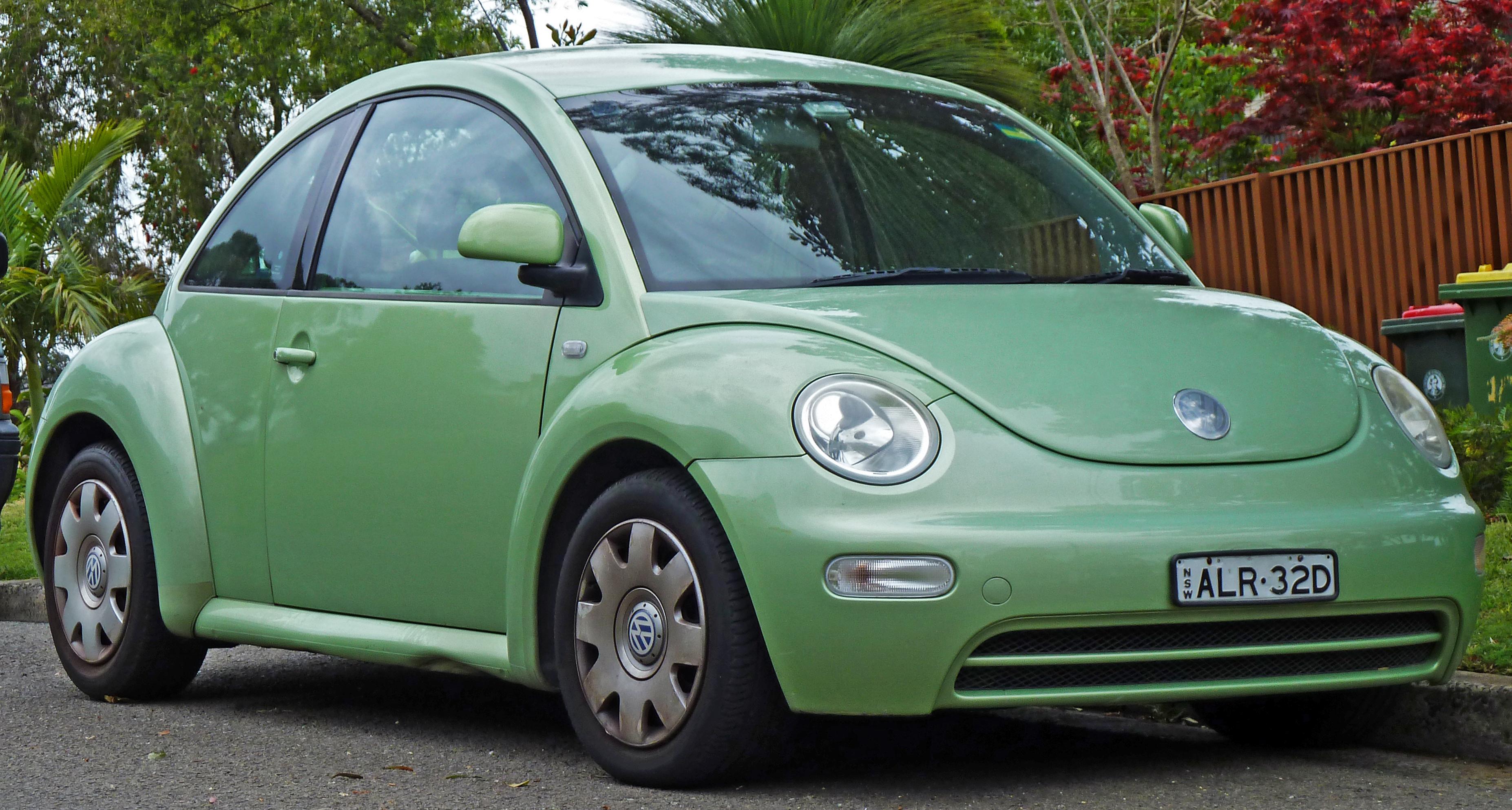 2005 Volkswagen New Beetle Image 14
