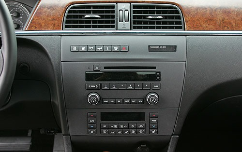 2005 Buick LaCrosse CXS I interior #11