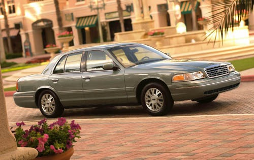 2006 Ford Crown Victoria  exterior #2