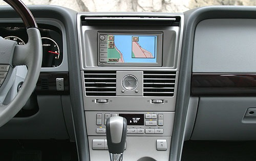 2004 Lincoln Aviator Rear interior #17