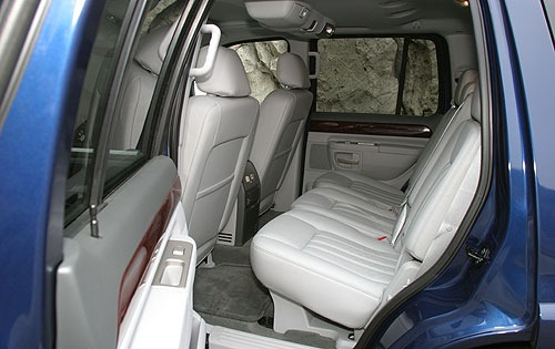 2004 Lincoln Aviator Rear interior #5
