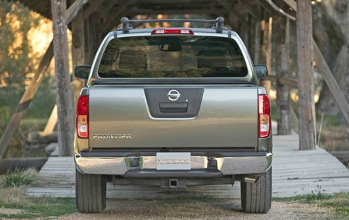 2005 Nissan Frontier 4dr  exterior #8