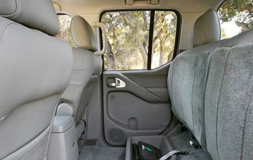 2005 Nissan Frontier 4dr  exterior #9