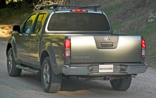 2005 Nissan Frontier 4dr  exterior #4