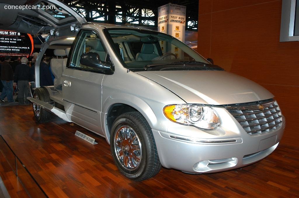 2006 chrysler town and country information and photos zombiedrive. Black Bedroom Furniture Sets. Home Design Ideas
