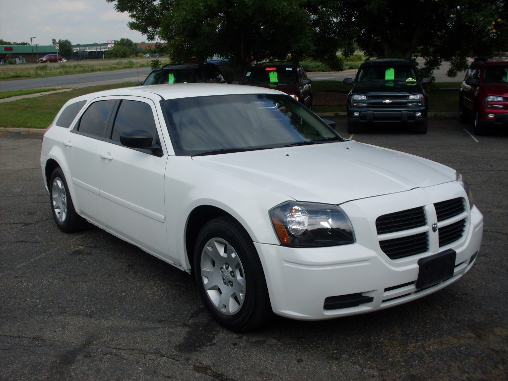 2006 dodge magnum - information and photos - zombiedrive