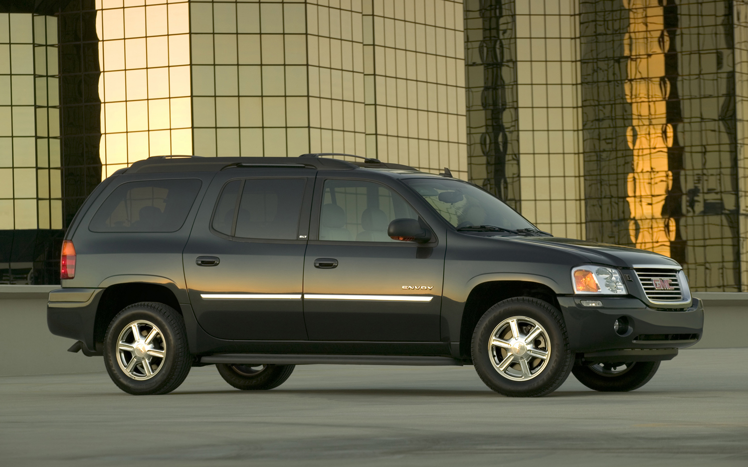 2006 GMC Envoy - Information and photos - ZombieDrive