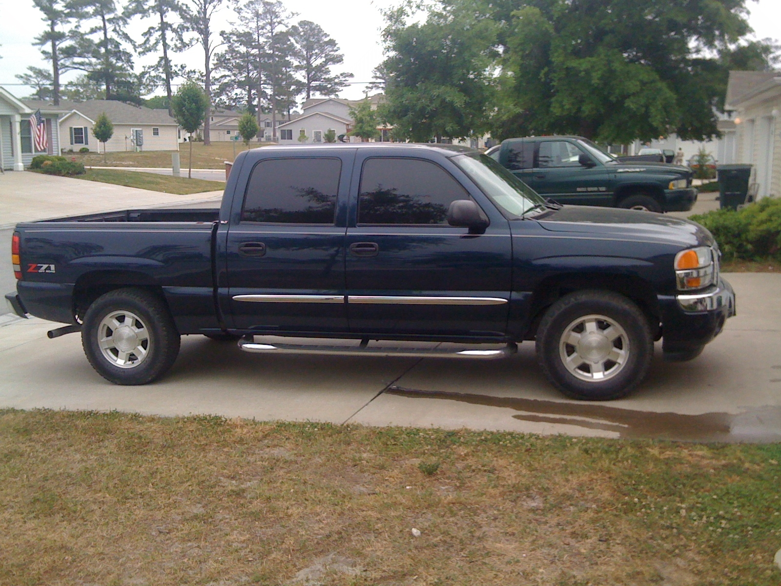 2006 gmc sierra 1500 information and photos zombiedrive. Black Bedroom Furniture Sets. Home Design Ideas