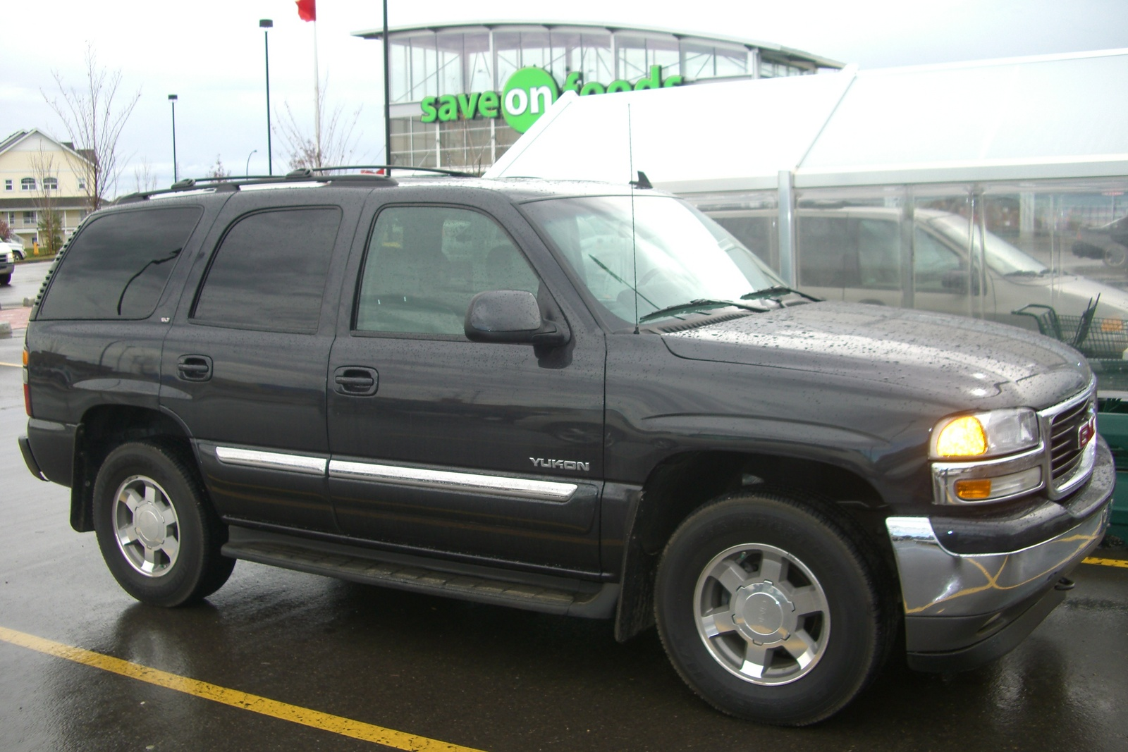 2006 gmc yukon information and photos zombiedrive 2006 gmc yukon 24 gmc yukon 24 sciox Choice Image