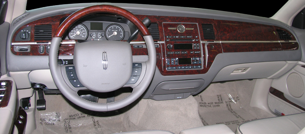 2006 Lincoln Town Car Image 10