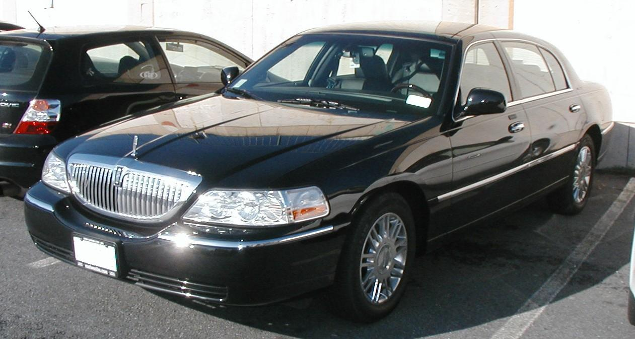 2006 Lincoln Town Car Information And Photos Zombiedrive