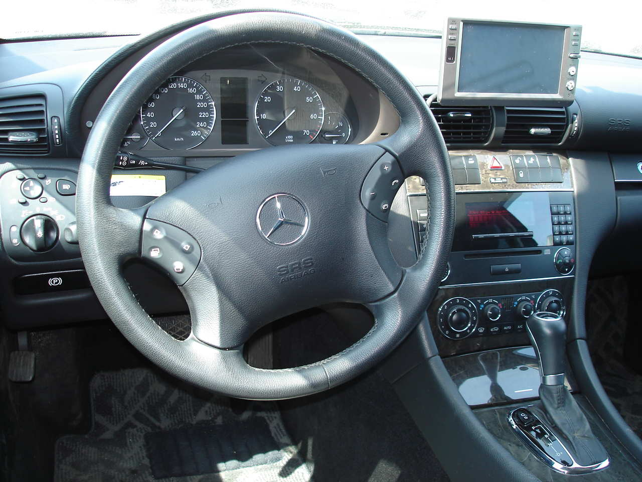 Mb Sprinter Interior >> 2006 MERCEDES-BENZ C-CLASS - Image #12