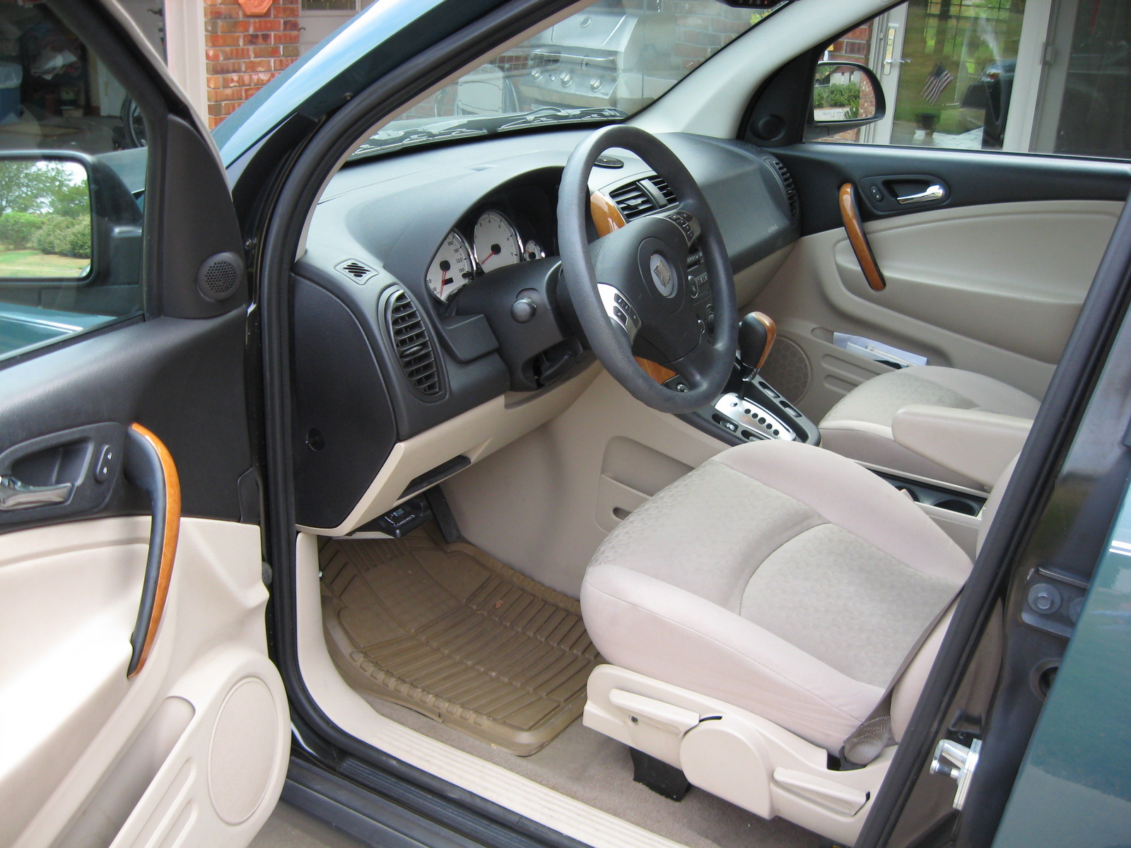 2006 saturn vue information and photos zombiedrive 2006 saturn vue 15 saturn vue 15 vanachro Gallery