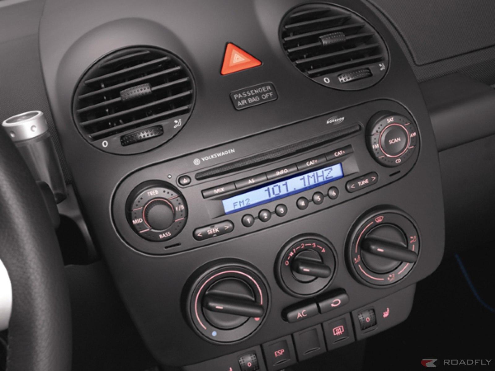 2006 Volkswagen New Beetle Image 25