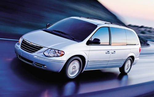 2007 Chrysler Town and Co exterior #3