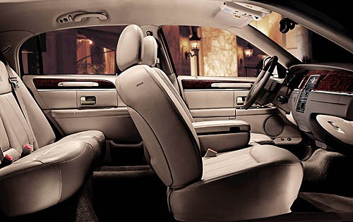 2006 Lincoln Town Car Sig interior #3