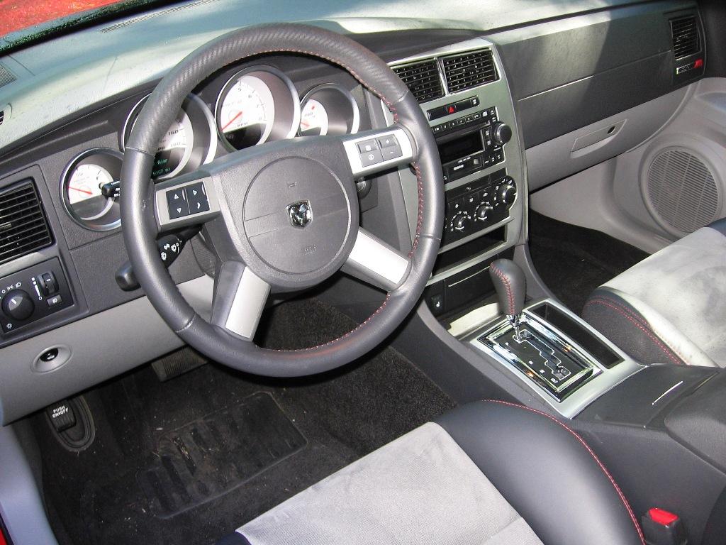 2007 dodge charger srt8 interior
