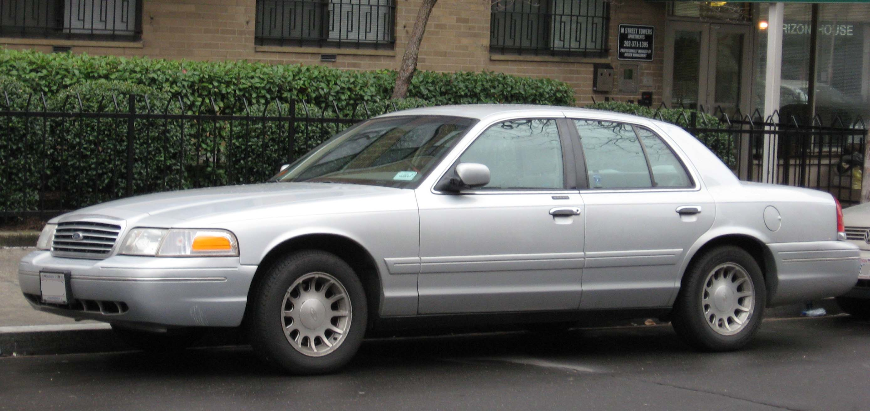 Ford Crown Victoria #1