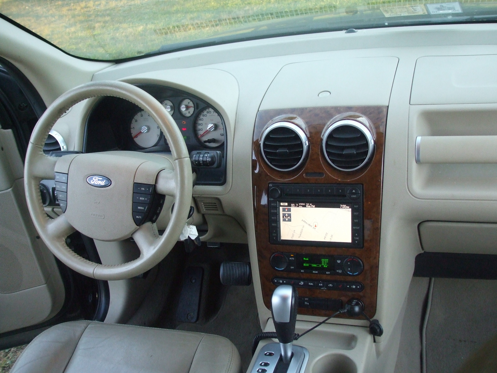 2007 ford freestyle image 17