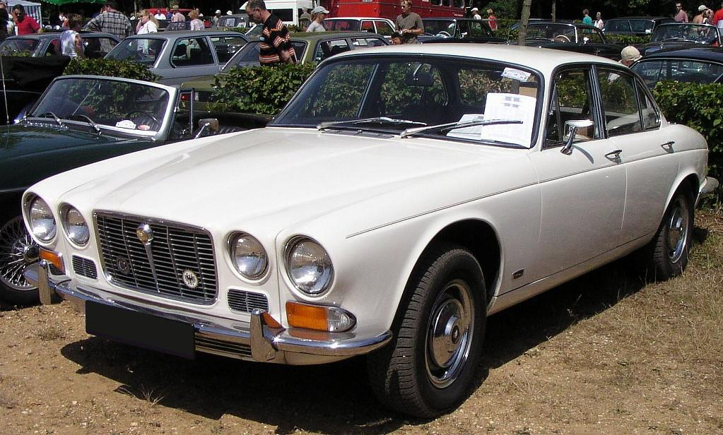 Jaguar XJ-Series #16