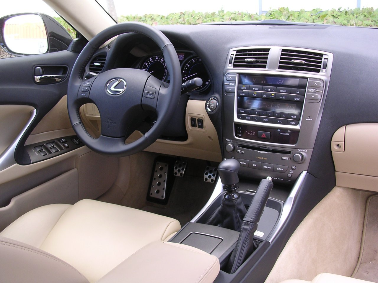 2007 LEXUS IS 250   Image #16
