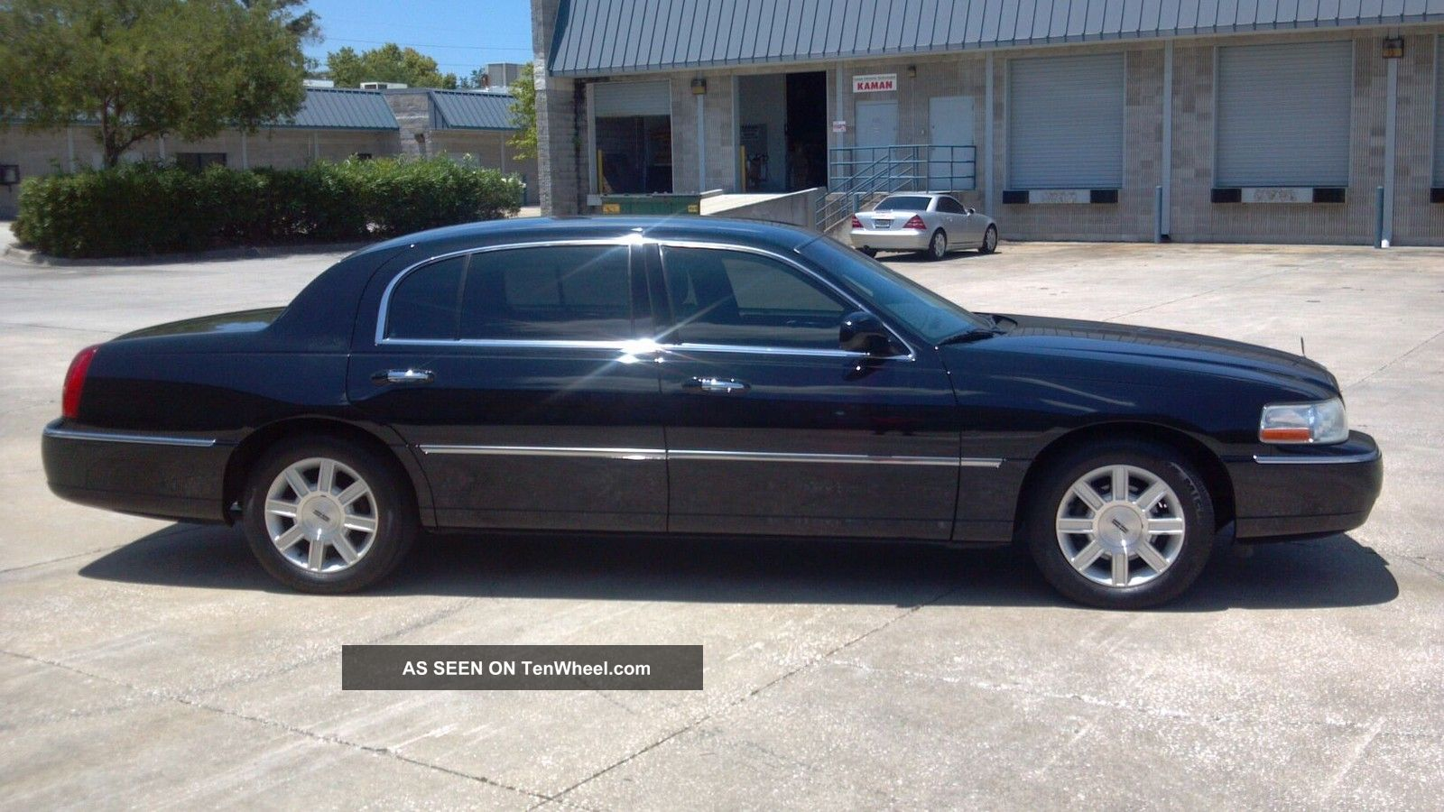 2007 lincoln town car blue 200 interior and exterior images. Black Bedroom Furniture Sets. Home Design Ideas