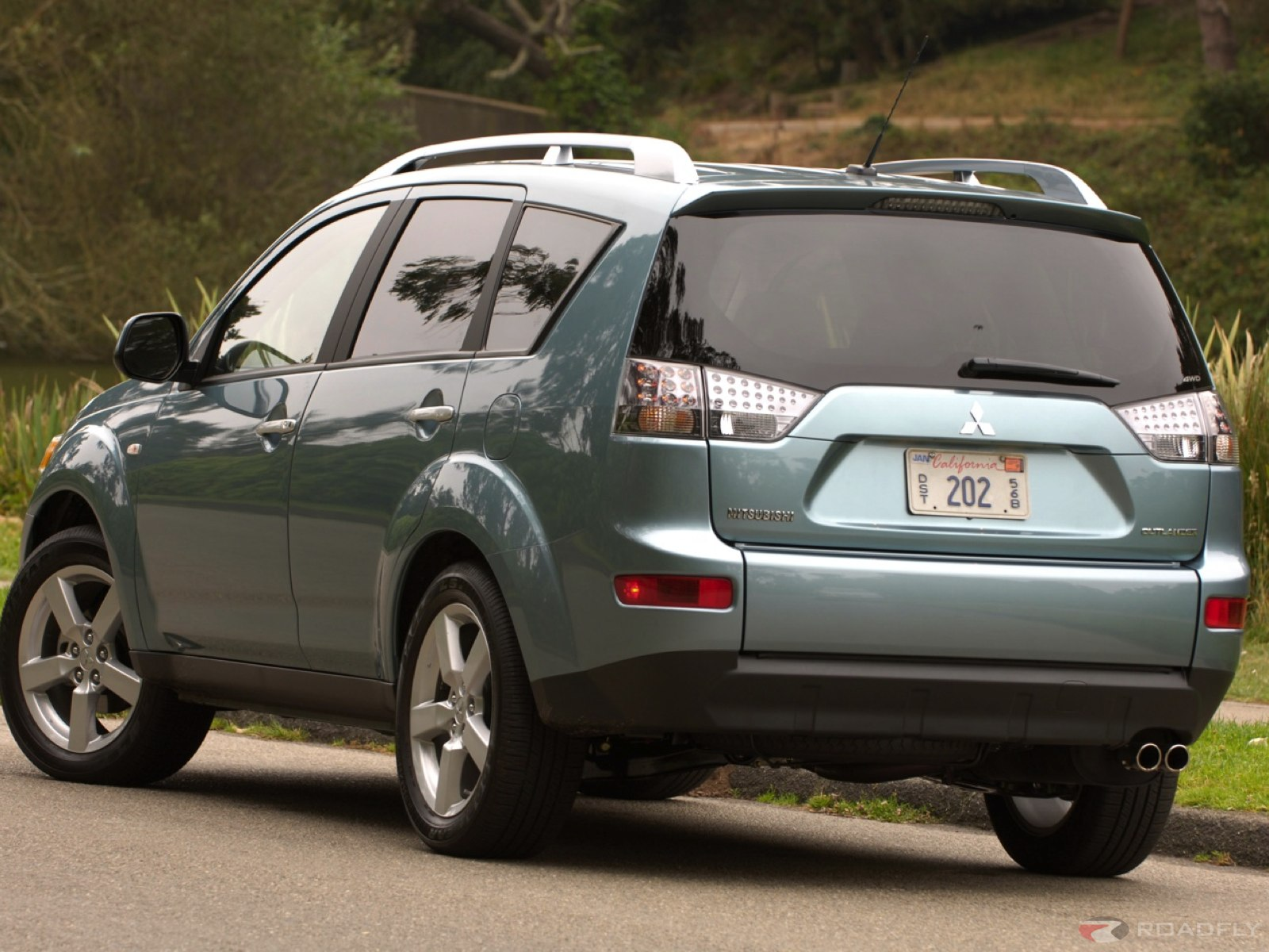 2007 mitsubishi outlander information and photos zombiedrive