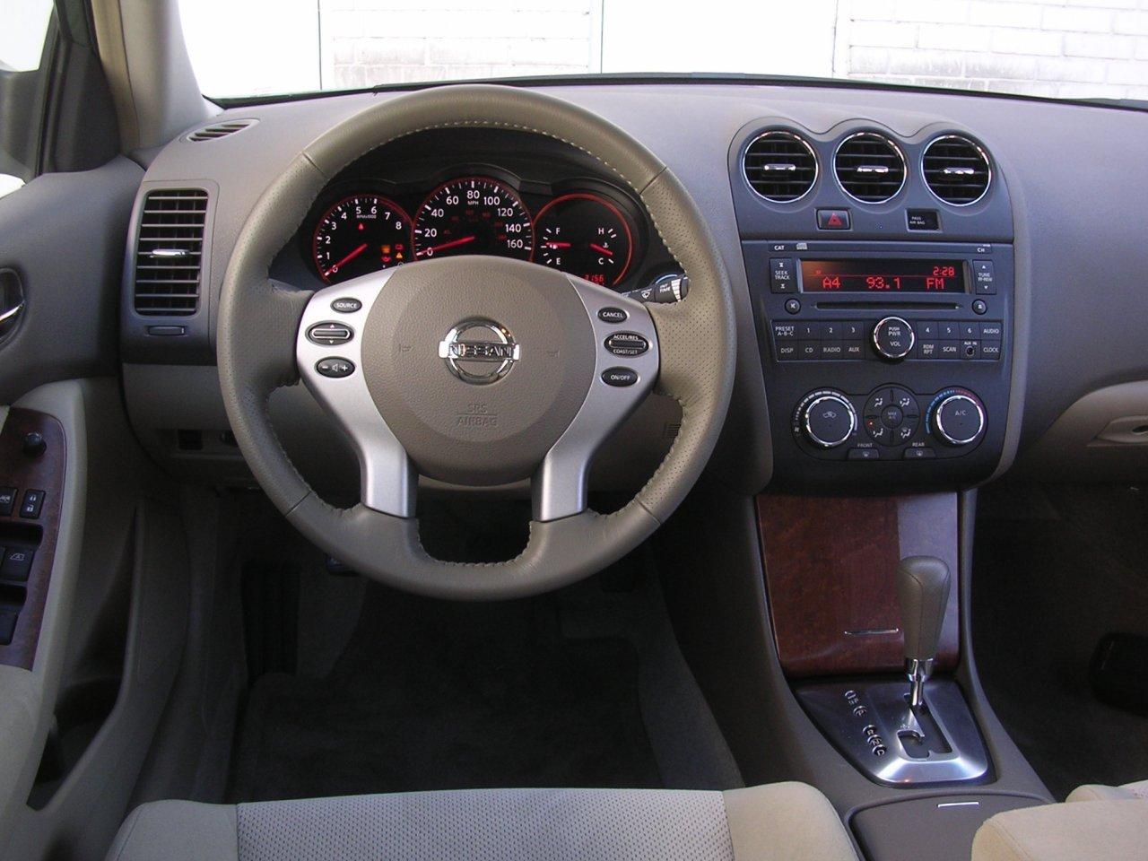 2009 Nissan Altima Interior The Image Kid Has It