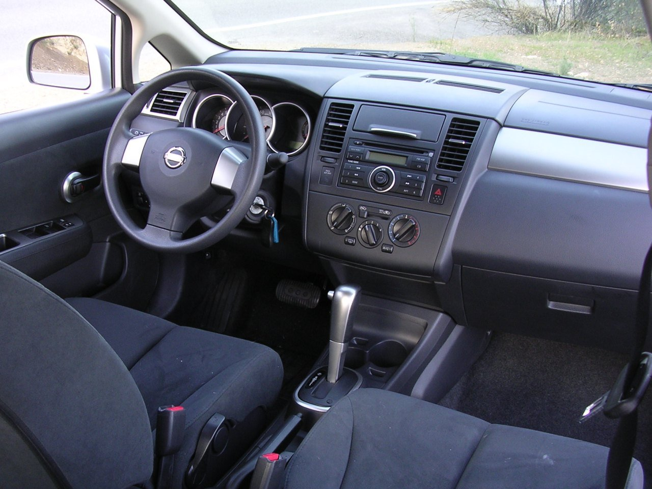 2007 Nissan Versa Information And Photos Zombiedrive Rh Zombdrive Com 2007  Nissan Versa Manual Transmission Review