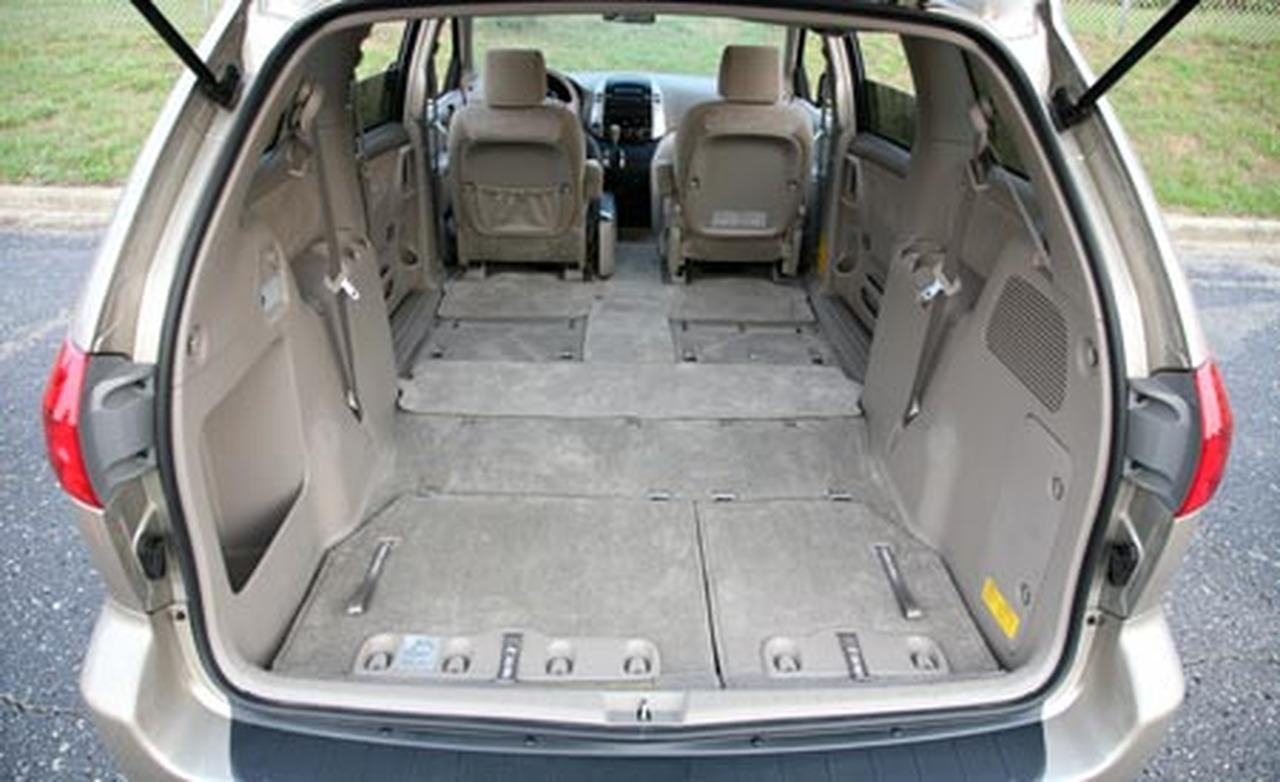 2007 Toyota Sienna  Information and photos  ZombieDrive