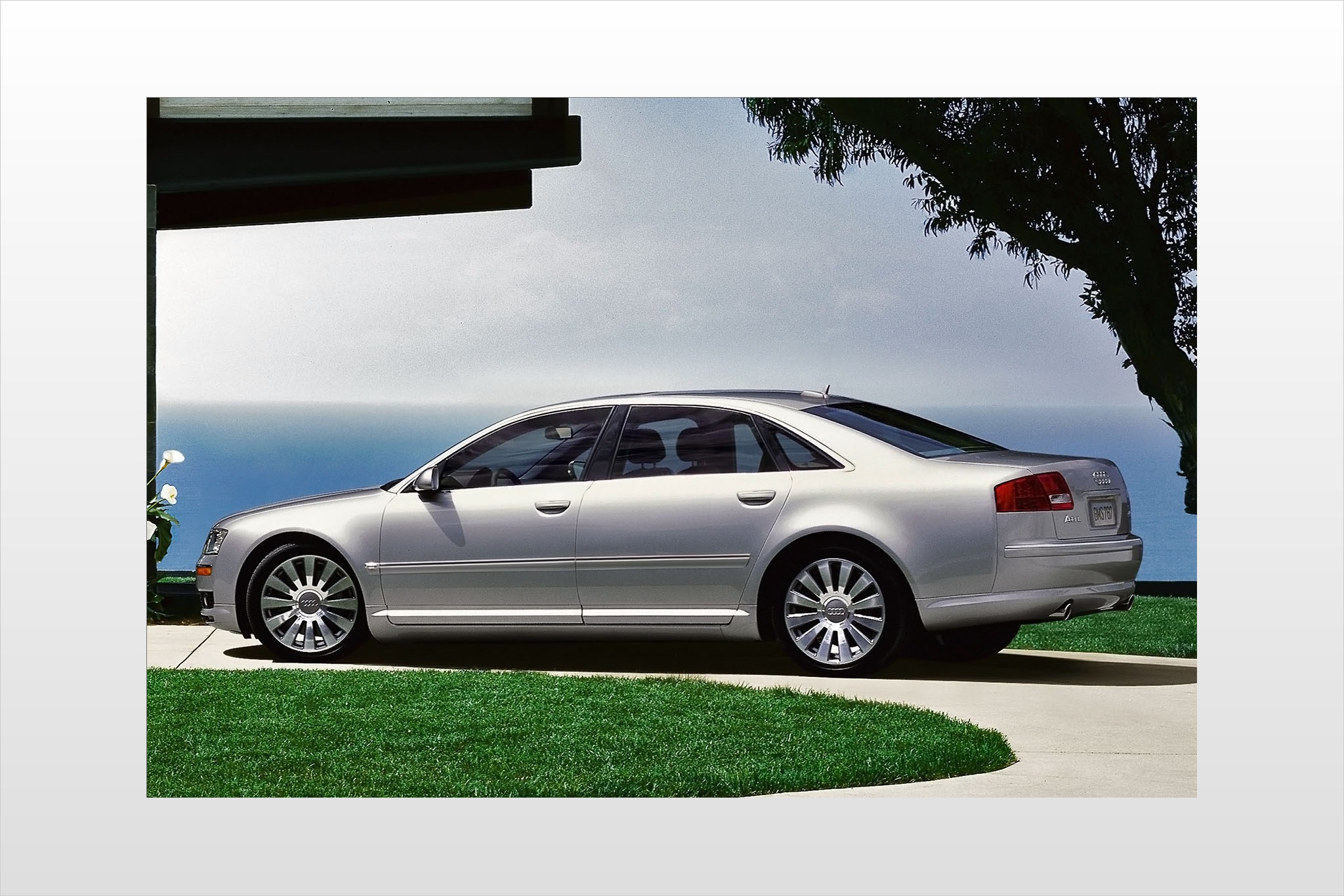 2007 Audi A8 Image 8