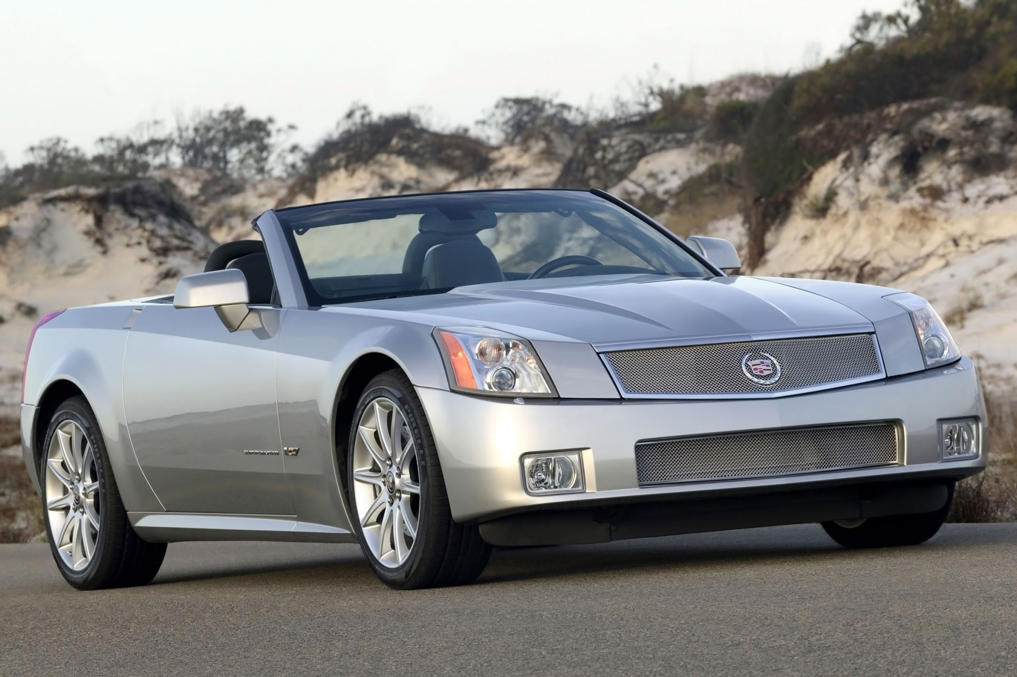 2007 Cadillac XLR-V - Information and photos - ZombieDrive