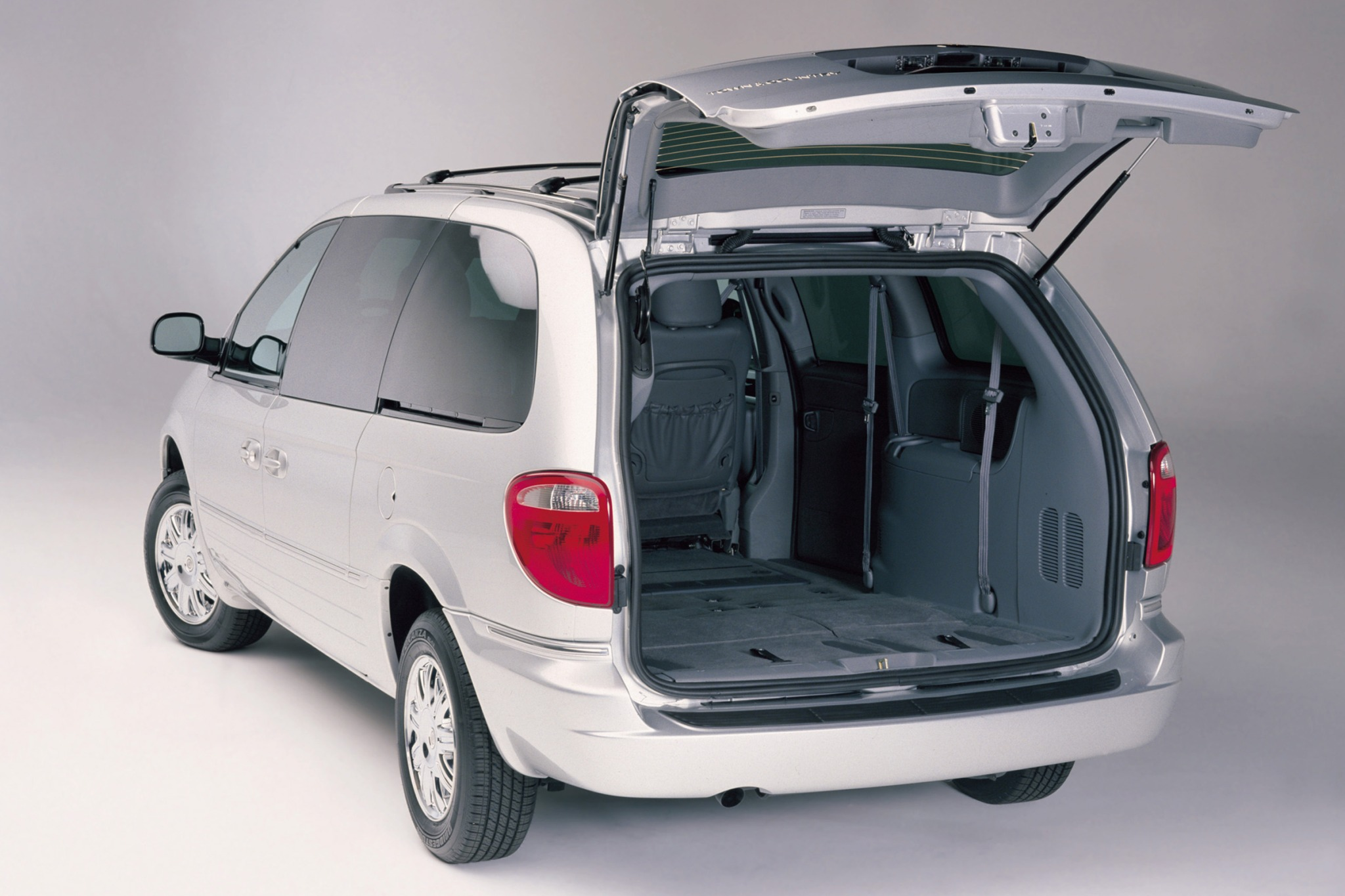 2007 Chrysler Town and Co exterior #8