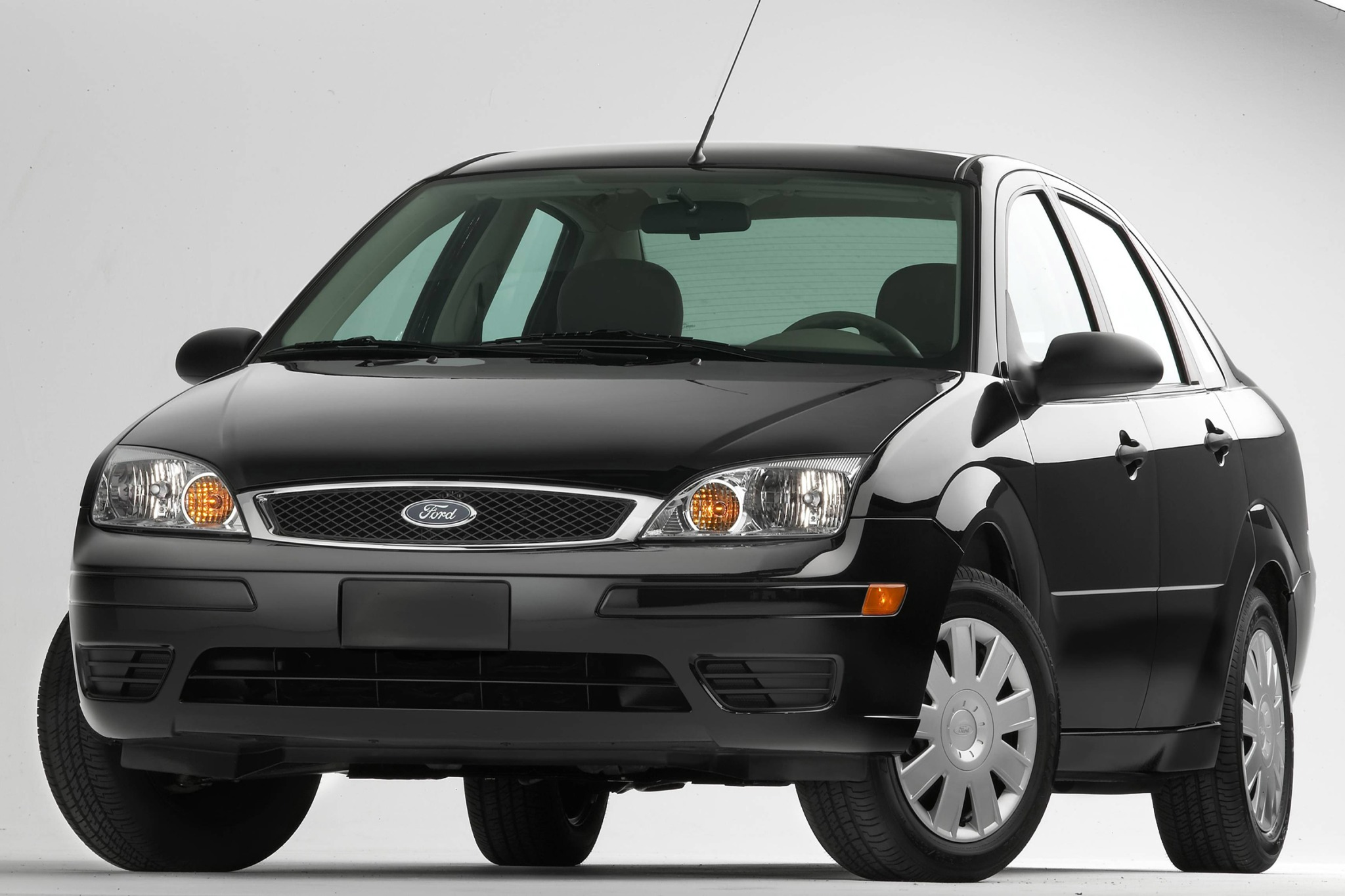 2007 Ford Focus ZX3 SES 2 exterior #3