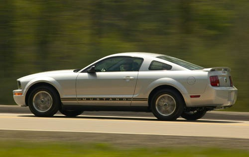 2007 Ford Mustang V6 Inst interior #9