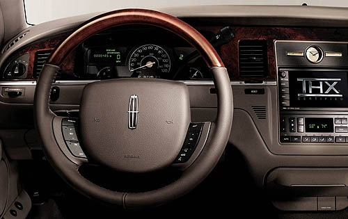 2007 Lincoln Town Car Sig interior #4