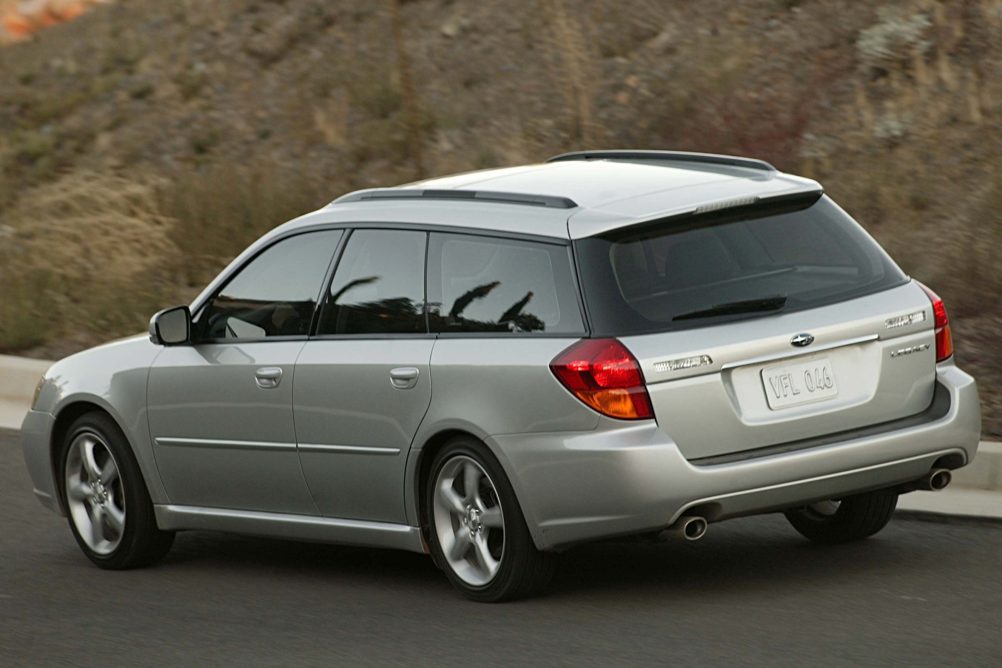 2007 Subaru Legacy Silver 200 Interior And Exterior Images