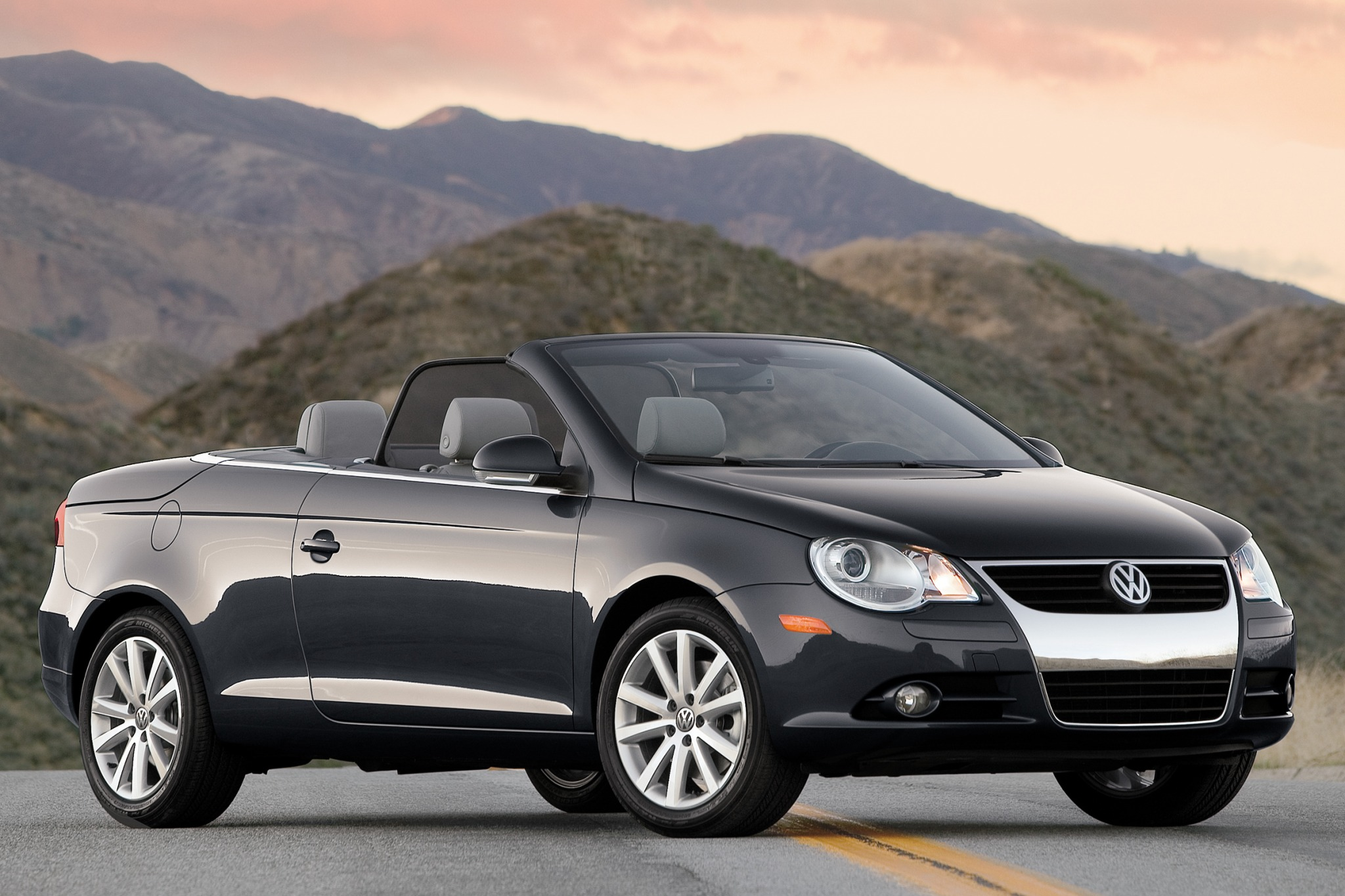 2007 volkswagen eos information and photos zombiedrive. Black Bedroom Furniture Sets. Home Design Ideas