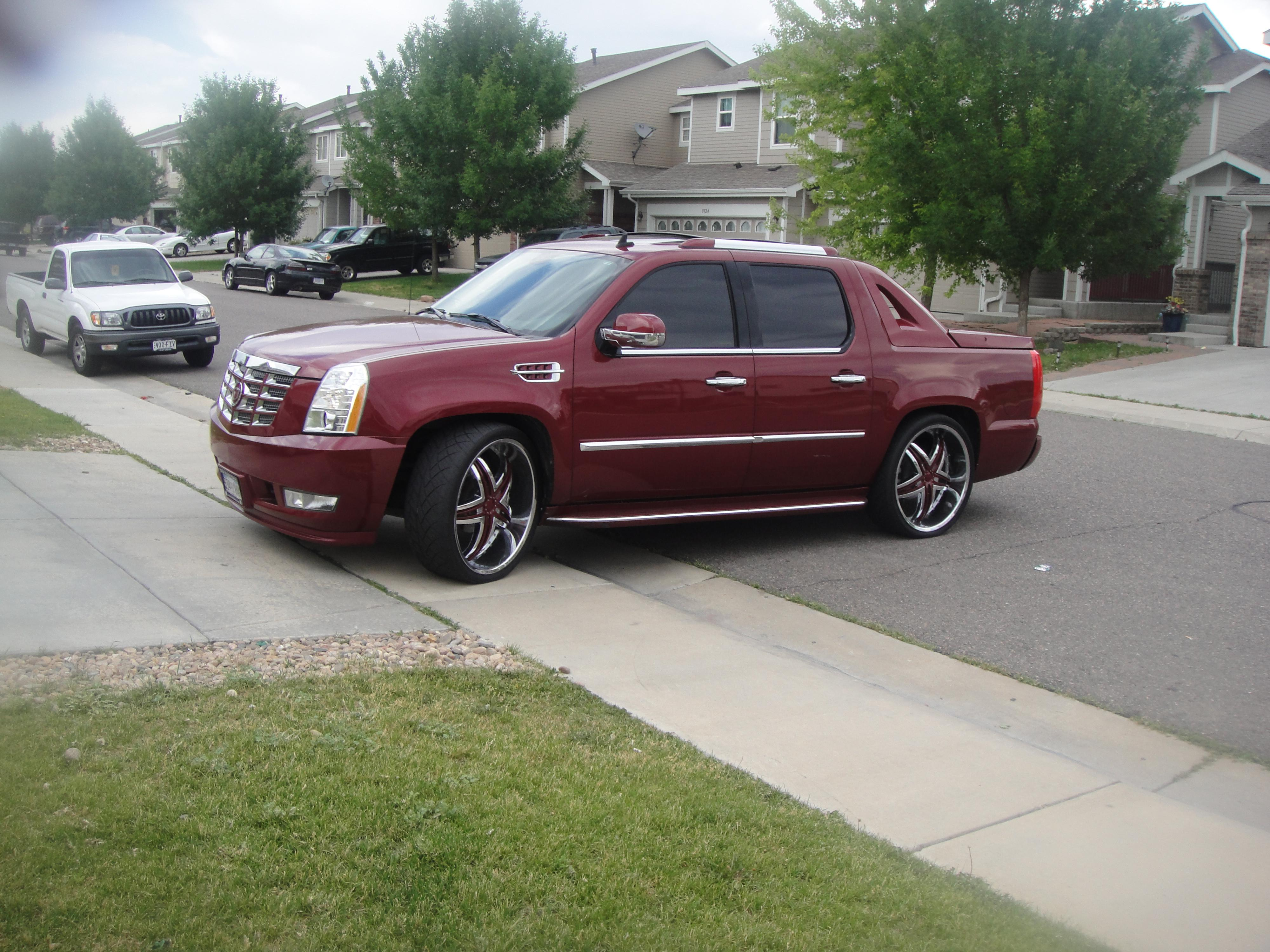 2008 Cadillac Escalade EXT Information and photos ZombieDrive