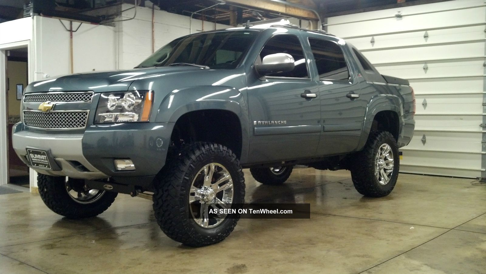 Watch also 2014 Silverado Ss Concept in addition 2016 Chevrolet Tahoe LT Z71 Lifted 4x4 in addition Watch additionally Wheel Offset 2001 Chevrolet Tahoe Super Aggressive 3 Suspension Lift 9 Custom Rims. on lifted tahoe z71