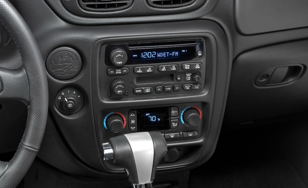 2003 Trailblazer Stereo Wiring Diagram likewise 787078 How To Make A Stand Alone Harness For My Ls2 in addition Bose Radio Wiring Diagram 1999 Chevy Blazer further 5aps4 Need Stereo Wiring Diagram Chevy Venture 2002 in addition Watch. on 2004 chevy trailblazer radio