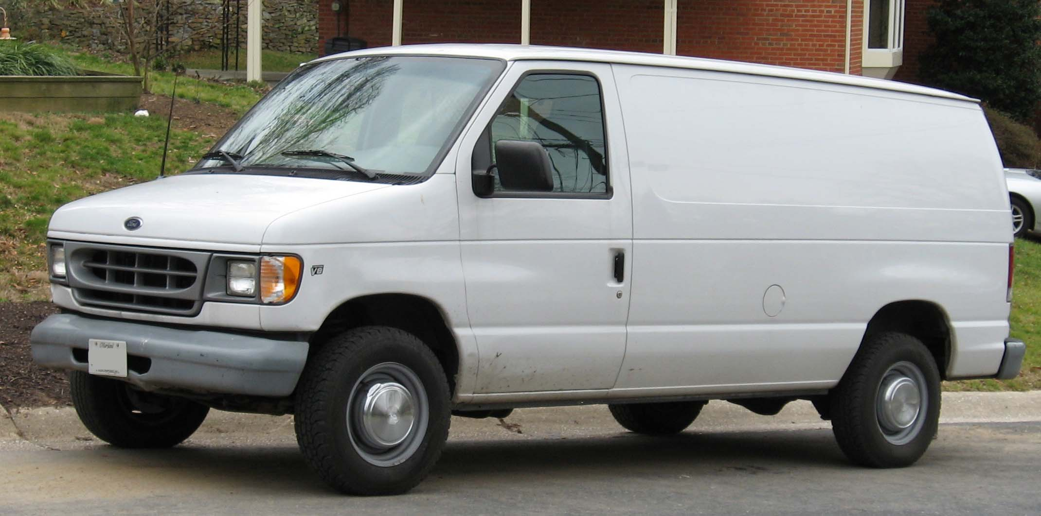 2008 Ford Econoline Cargo 14