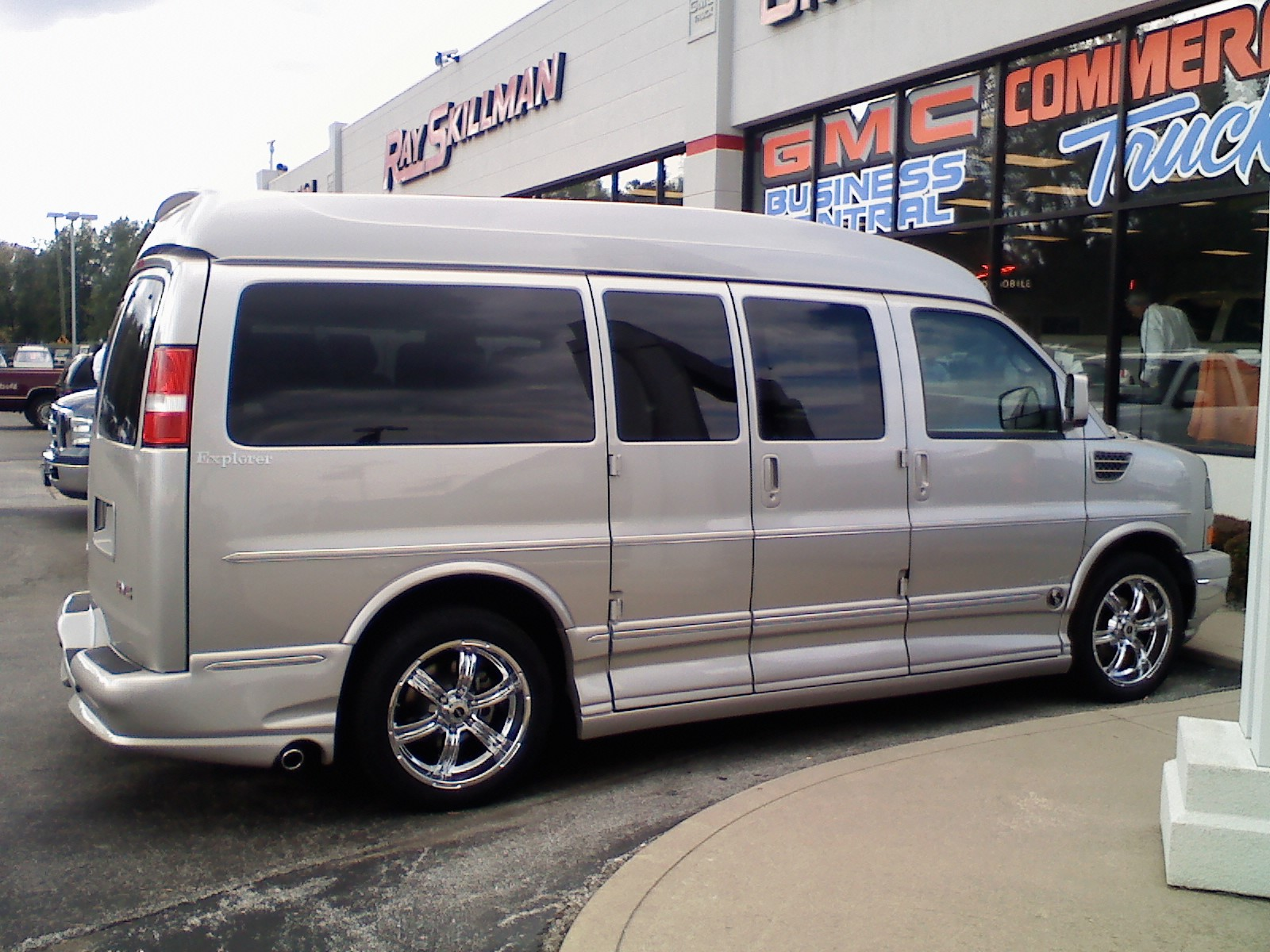 2008 gmc savana cargo information and photos zombiedrive. Black Bedroom Furniture Sets. Home Design Ideas